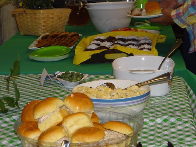 hostess-table